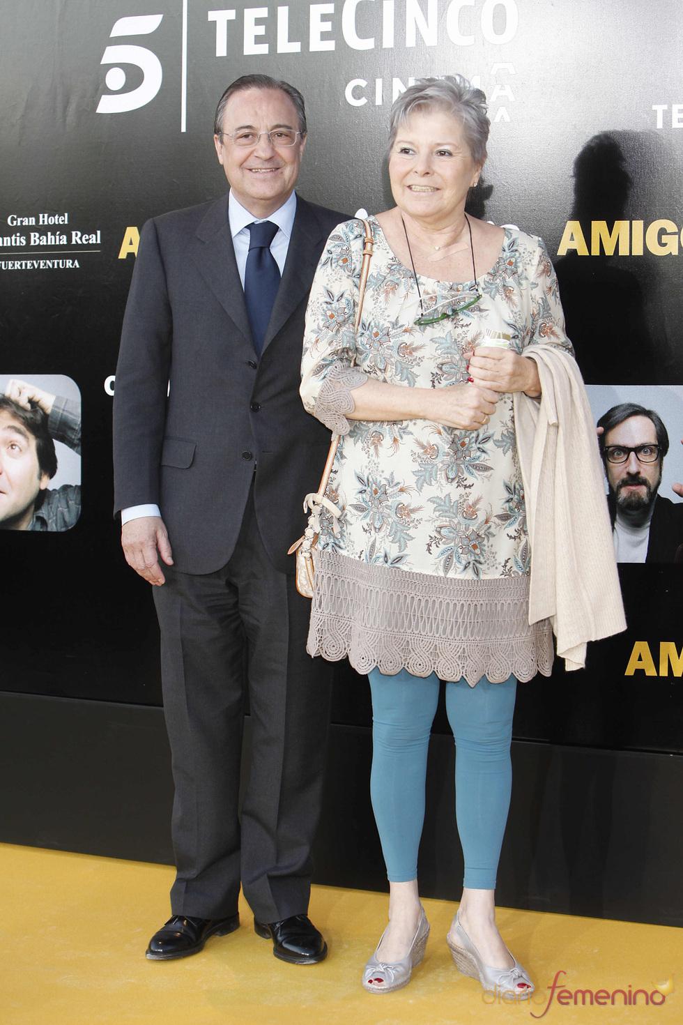 Florentino Pérez y su mujer en el estreno de la película 'Amigos'