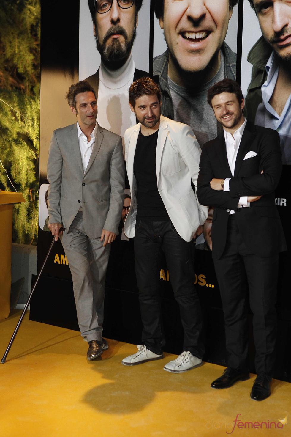 Ernesto Alterio, Alberto Lozano y Diego Martín en el estreno de 'Amigos'