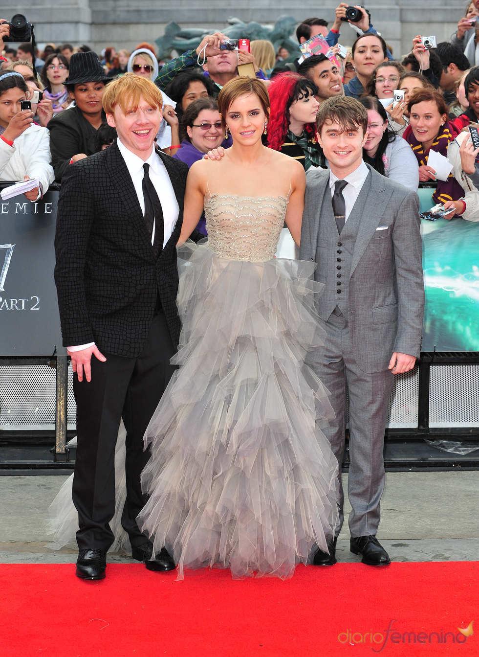 Rupert Grint, Emma Watson y Daniel Radcliffe en la premier de Harry Potter