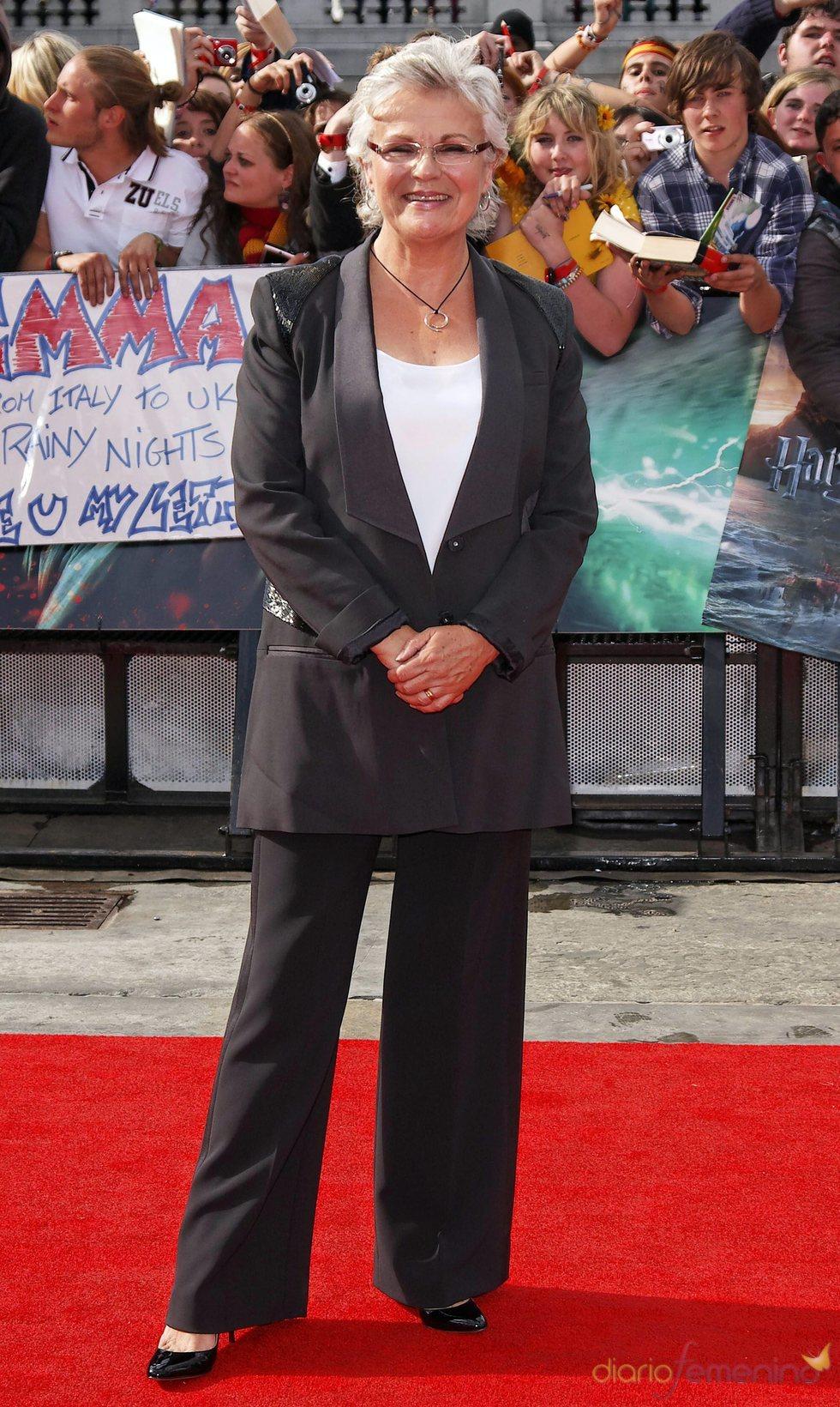 Julie Walters llega a la premier mundial de 'Harry Potter'
