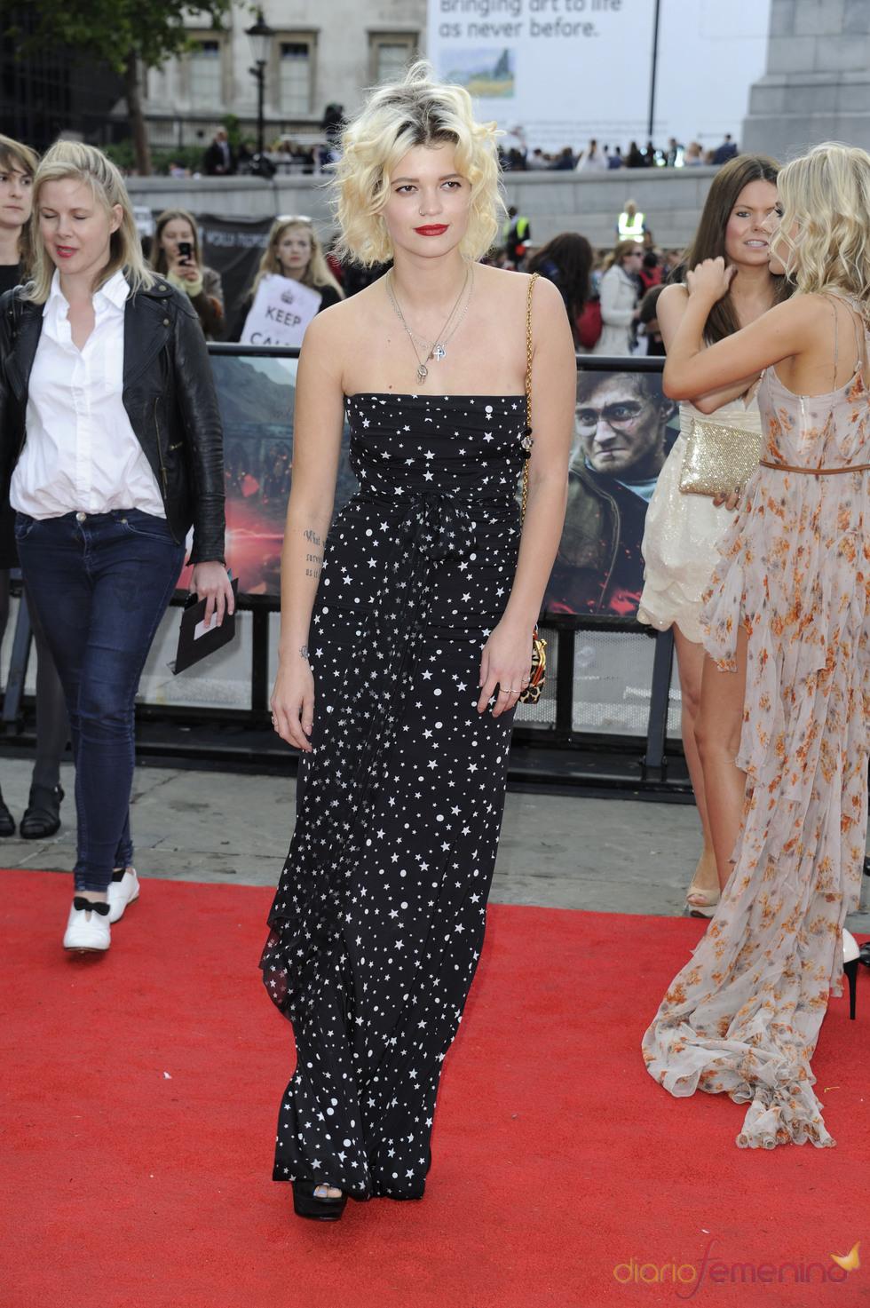 Pixie Geldof llega a la premier mundial de 'Harry Potter'