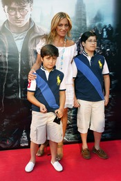 Gema Ruíz y sus hijos en la premier de 'Harry Potter' en Madrid