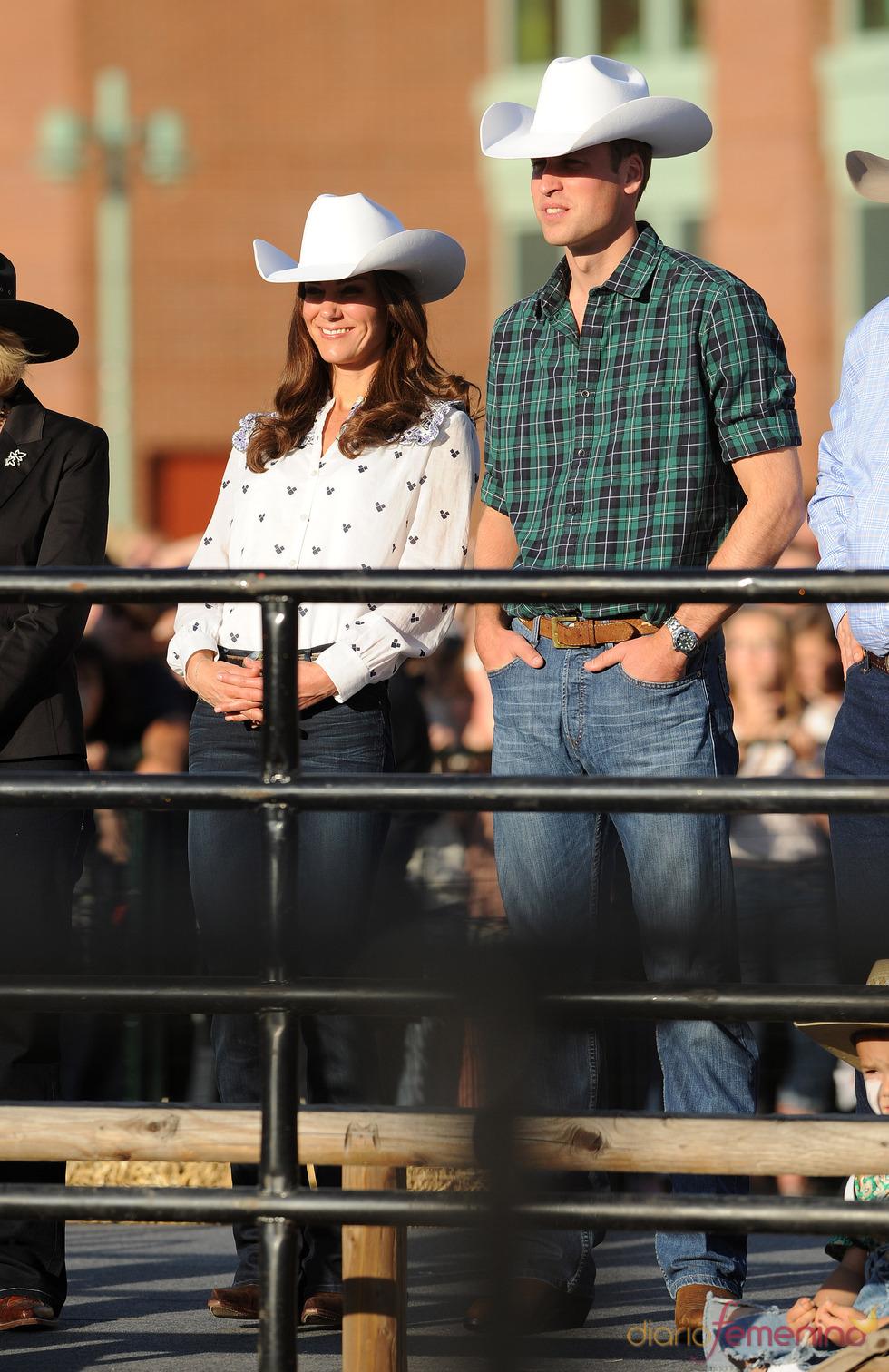 Guillermo de Inglaterra y Kate Middleton asisten a un rodeo en Canadá
