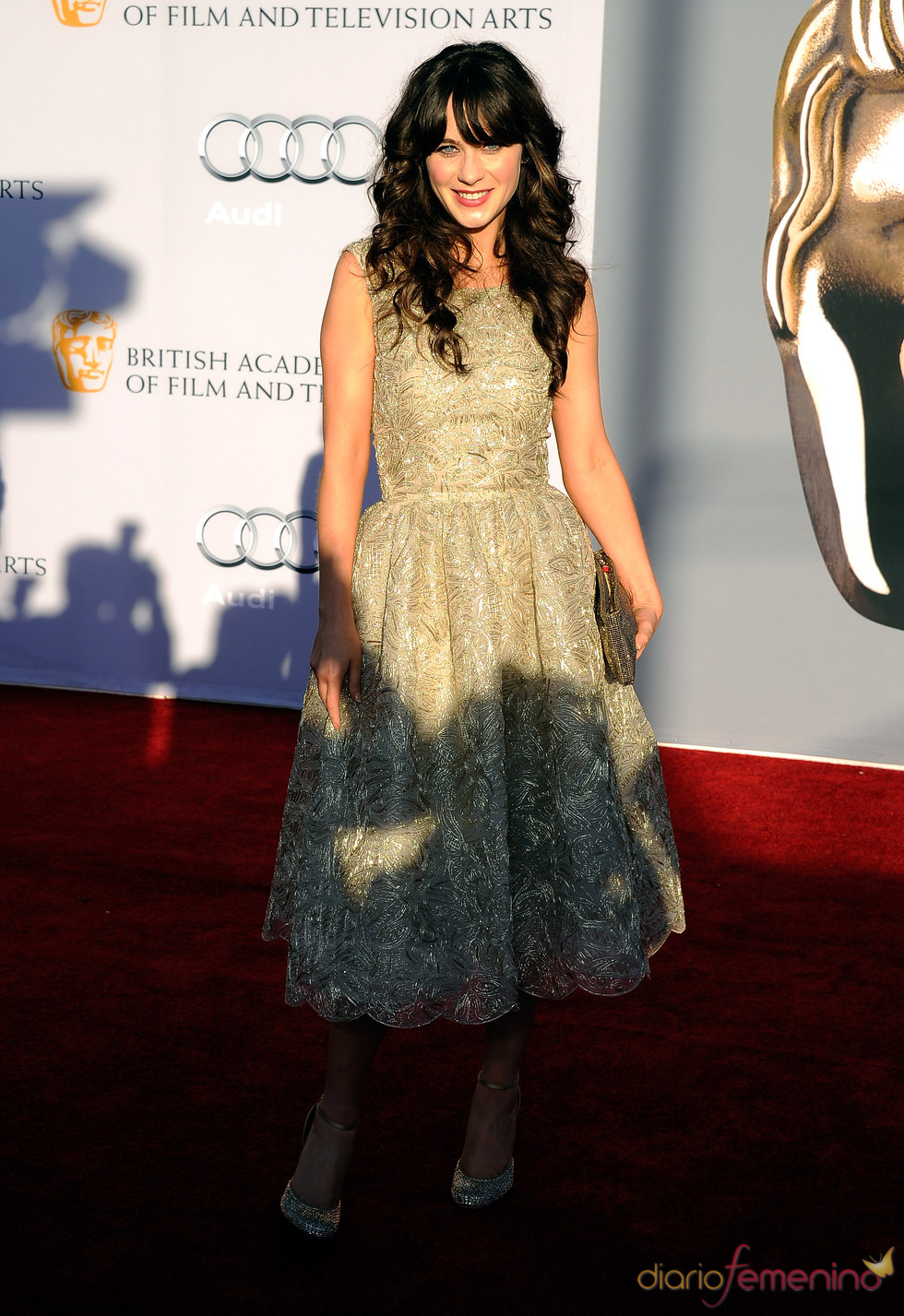 Zooey Deschanel acude junto a los Duques de Cambridge a la gala 'BAFTA Brits to Watch'