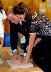 Guillermo de Inglaterra y Kate Middleton dejan huella en un centro de arte de Los Ángeles