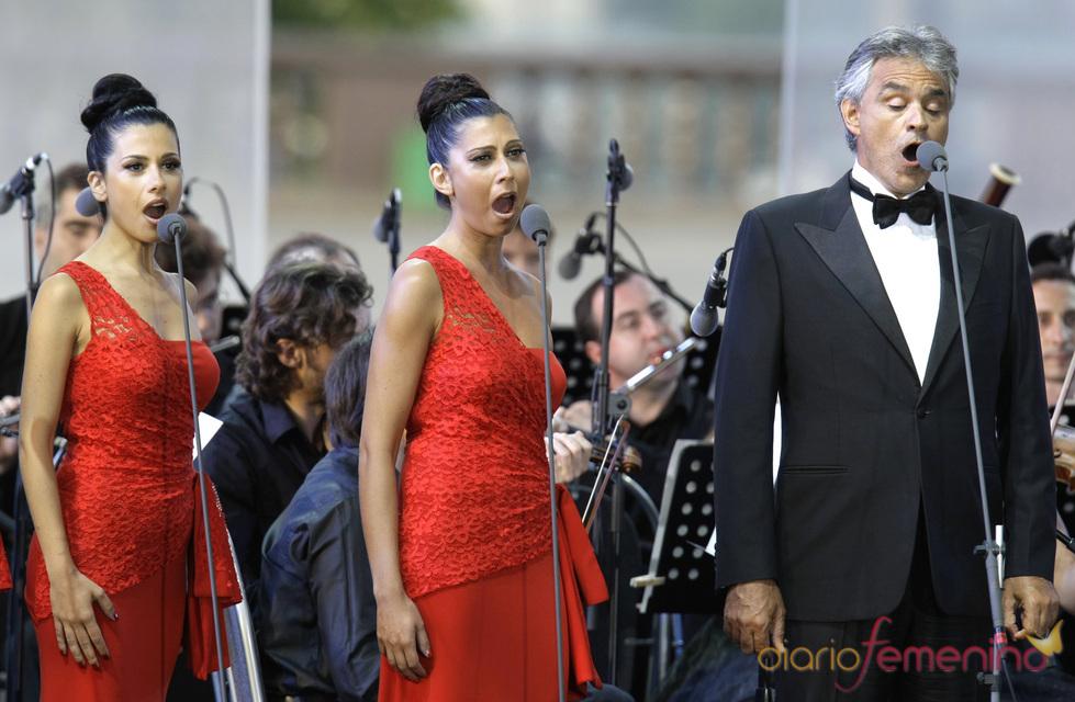 Andrea Bocelli participa en una gala benéfica en Rusia