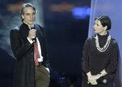 Jeremy Irons e Isabella Rossellini participan en una gala benéfica en Rusia
