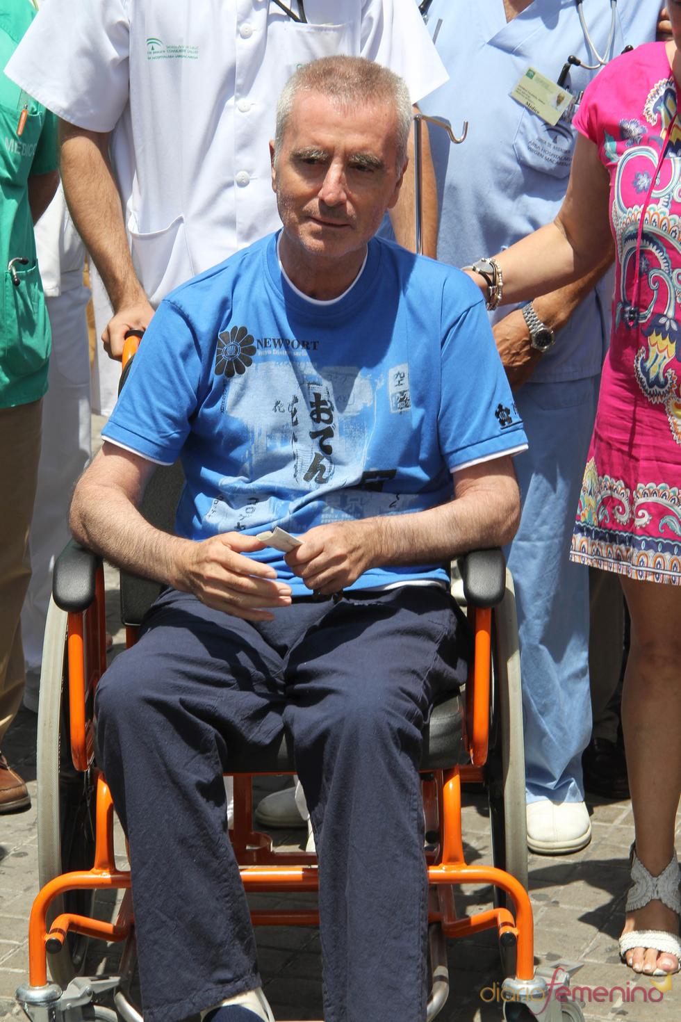 Primera imagen de José Ortega Cano tras su salida del hospital de Sevilla