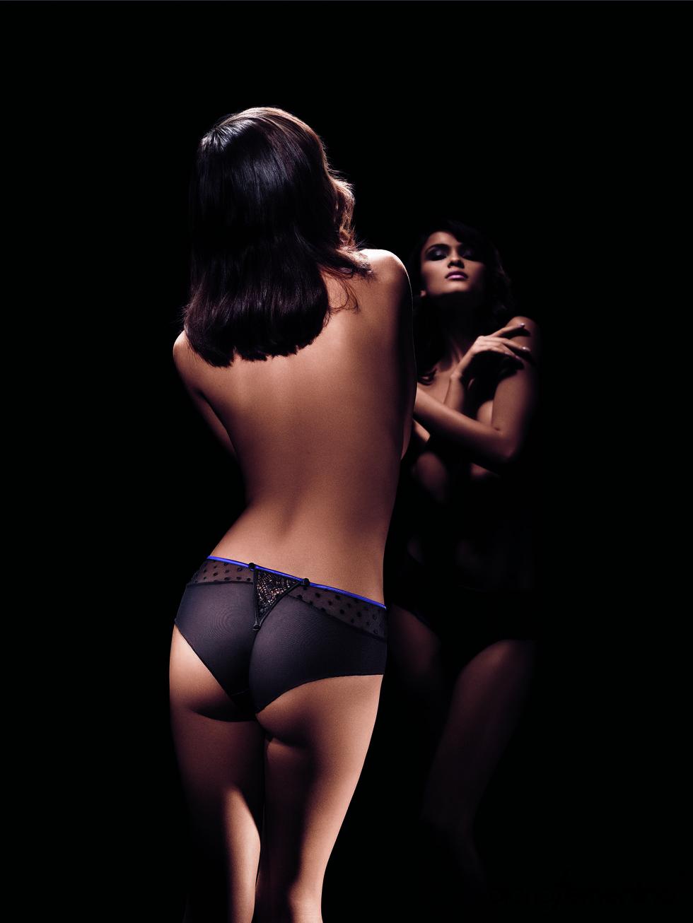 Short negro de la colección otoño-invierno 2011-2012 de la firma Implicite