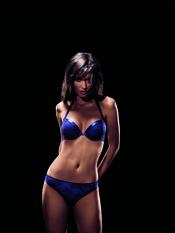 Conjunto de lencería azul de la colección otoño-invierno 2011-2012 de la firma Implicite