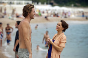 Leighton Meester habla con Cory Monteith en la película  'Monte Carlo'