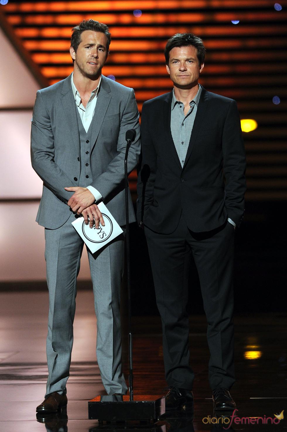 Ryan Reynolds y Jason Baterman en los ESPY Awards de 2011