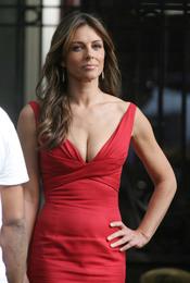 Liz Hurley muy sexy durante el rodaje de la quinta temporada de 'Gossip Girl'