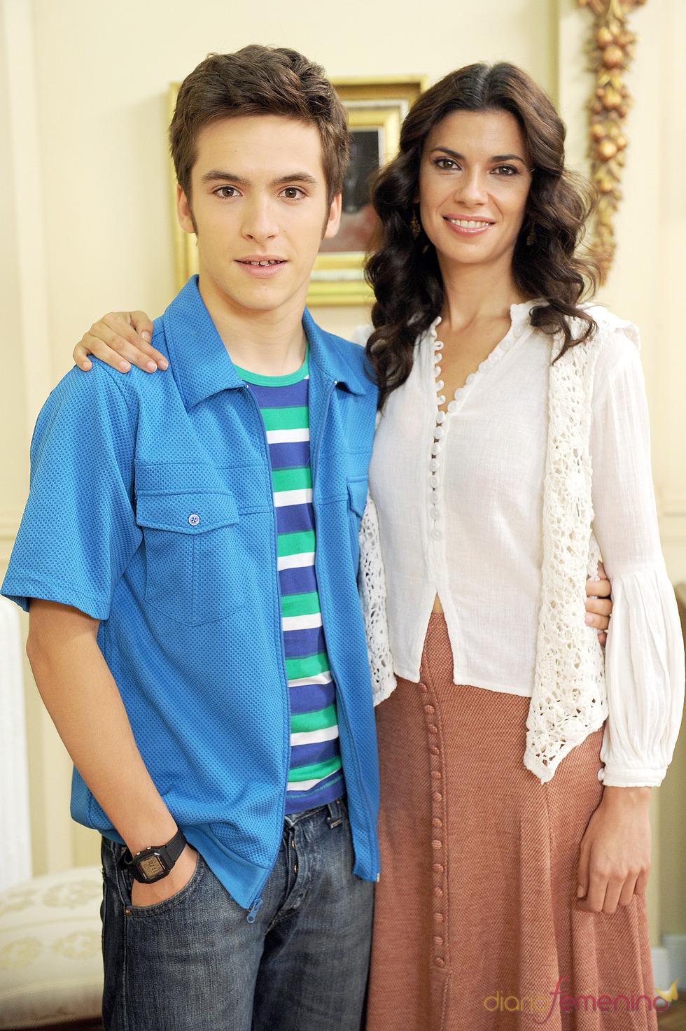 Ricardo Gómez y Pilar Punzano en la presentación de la 13 temporada de 'Cuéntame cómo pasó'