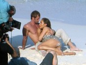 Jennifer López y William Levy durante el rodaje de 'I'm into you'