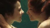Eva Longoria y Kate del Castillo bajo el agua en la película 'Without Men'
