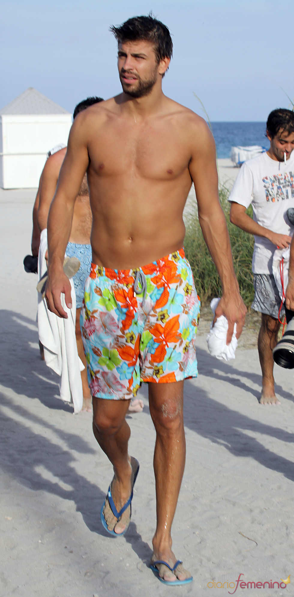 Gerard Piqué estrena bañador en Miami sin Shakira