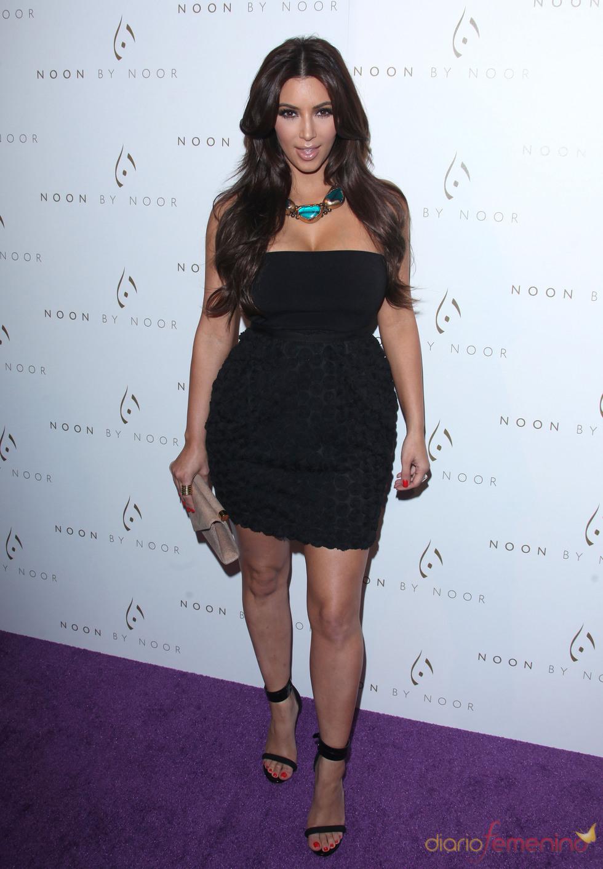 Kim Kardashian en la fiesta de lanzamiento de la nueva colección de 'Noon by Noor'
