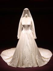 Vestido de novia de Kate Middleton en una exposición