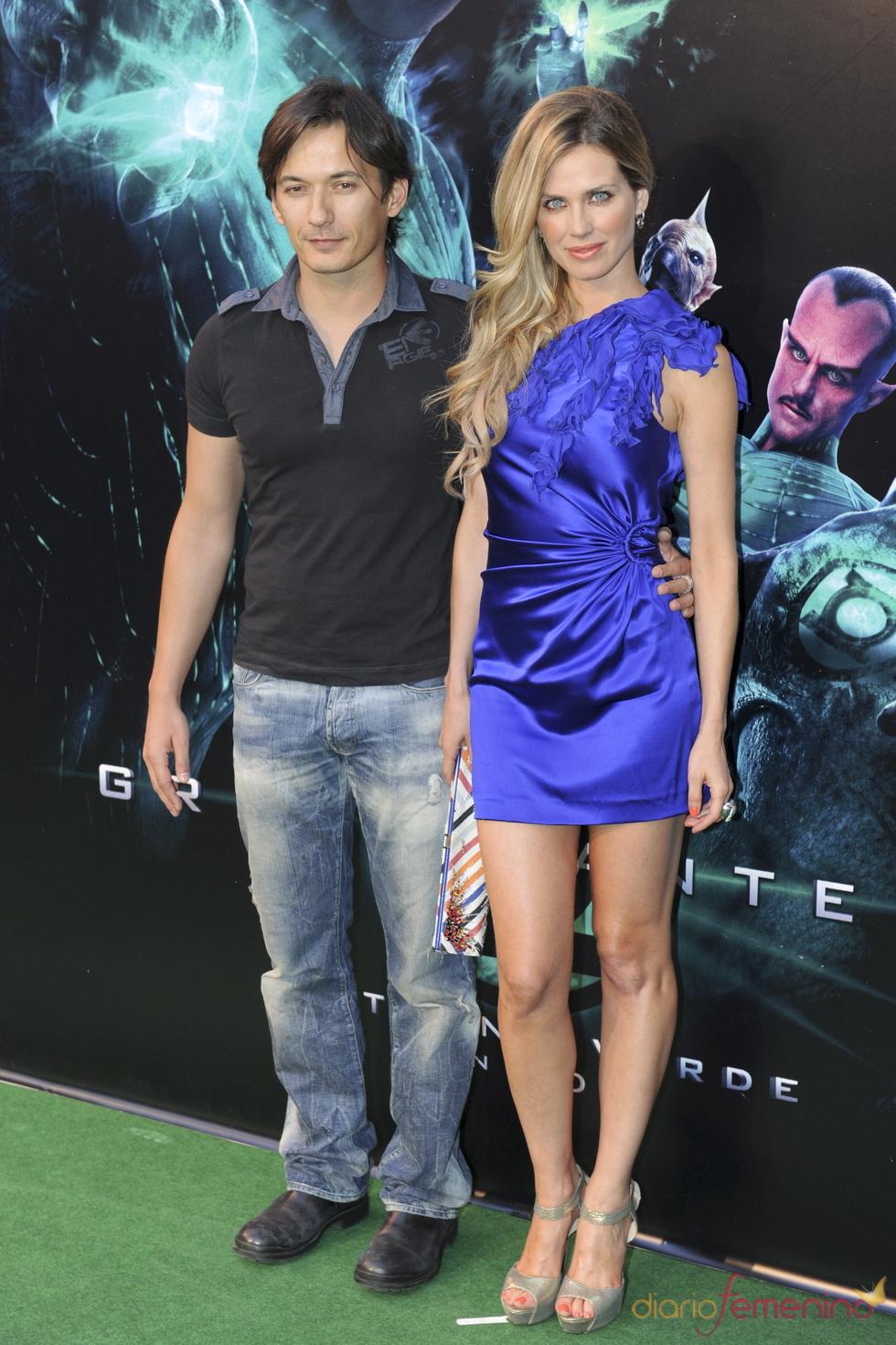 Vanesa Romero y Alberto Caballero en el estreno de 'Linterna verde' en Madrid
