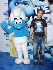 Alan Cumming  en la alfombra azul de la premiere de 'Los Pitufos' en Nueva York