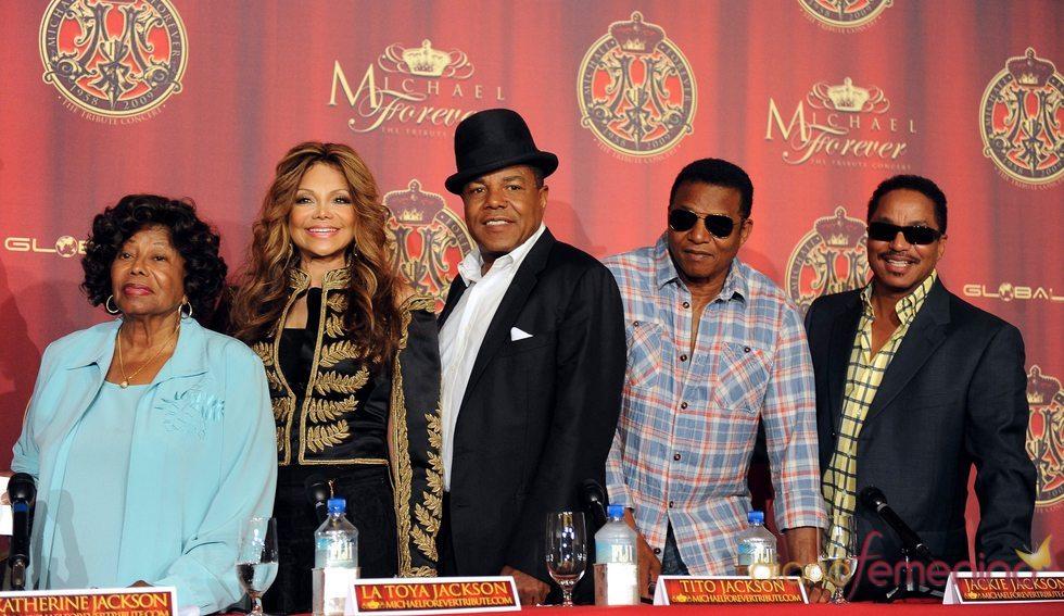 La familia de Michael Jackson ofrecerá un concierto homenaje en Octubre de 2011