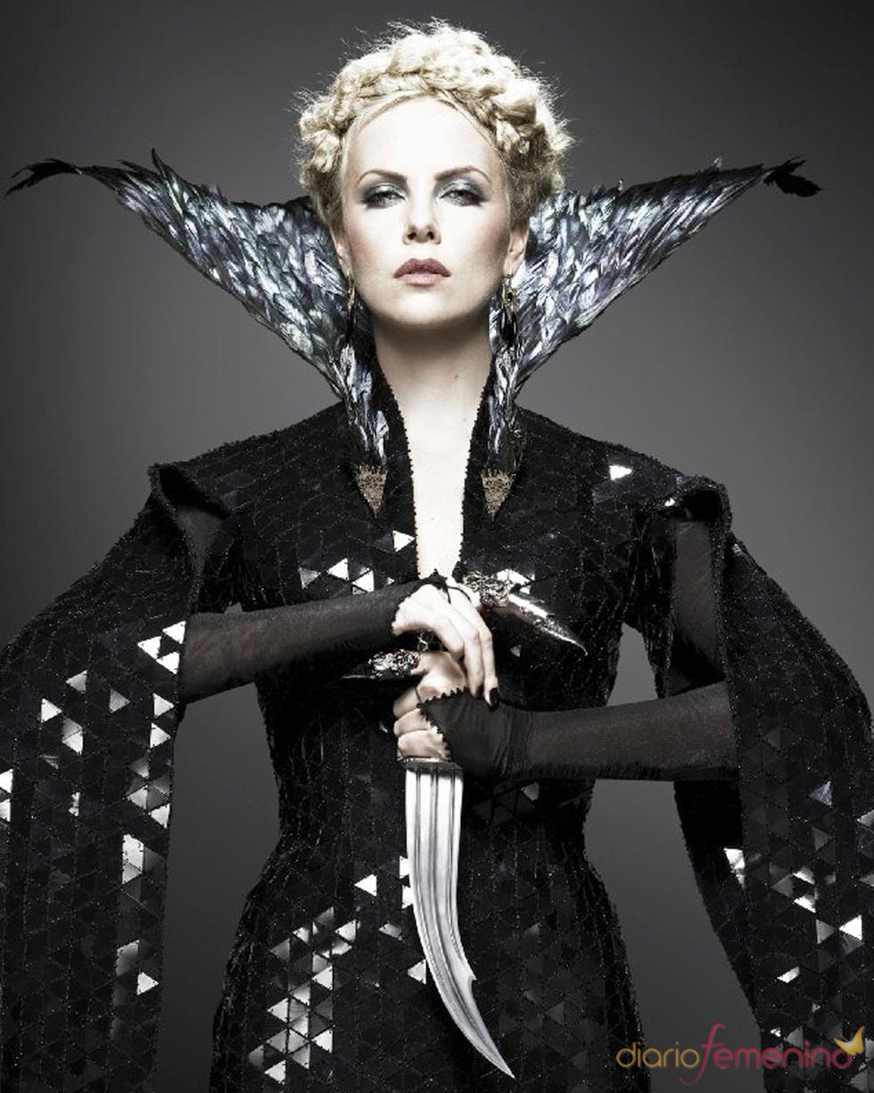 Charlize Theron como reina en la película 'Blancanieves y el cazador'