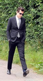 Mark Ronson a su llegada al funeral de Amy Winehouse en el cementerio Edgwarebury