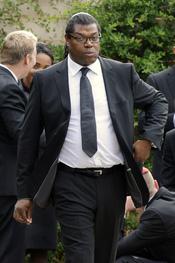 En manager de Amy Winehouse, Raye Cosbert, acude a su funeral