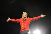 Jon Bon Jovi en su concierto en el Estadio Olímpico de Barcelona