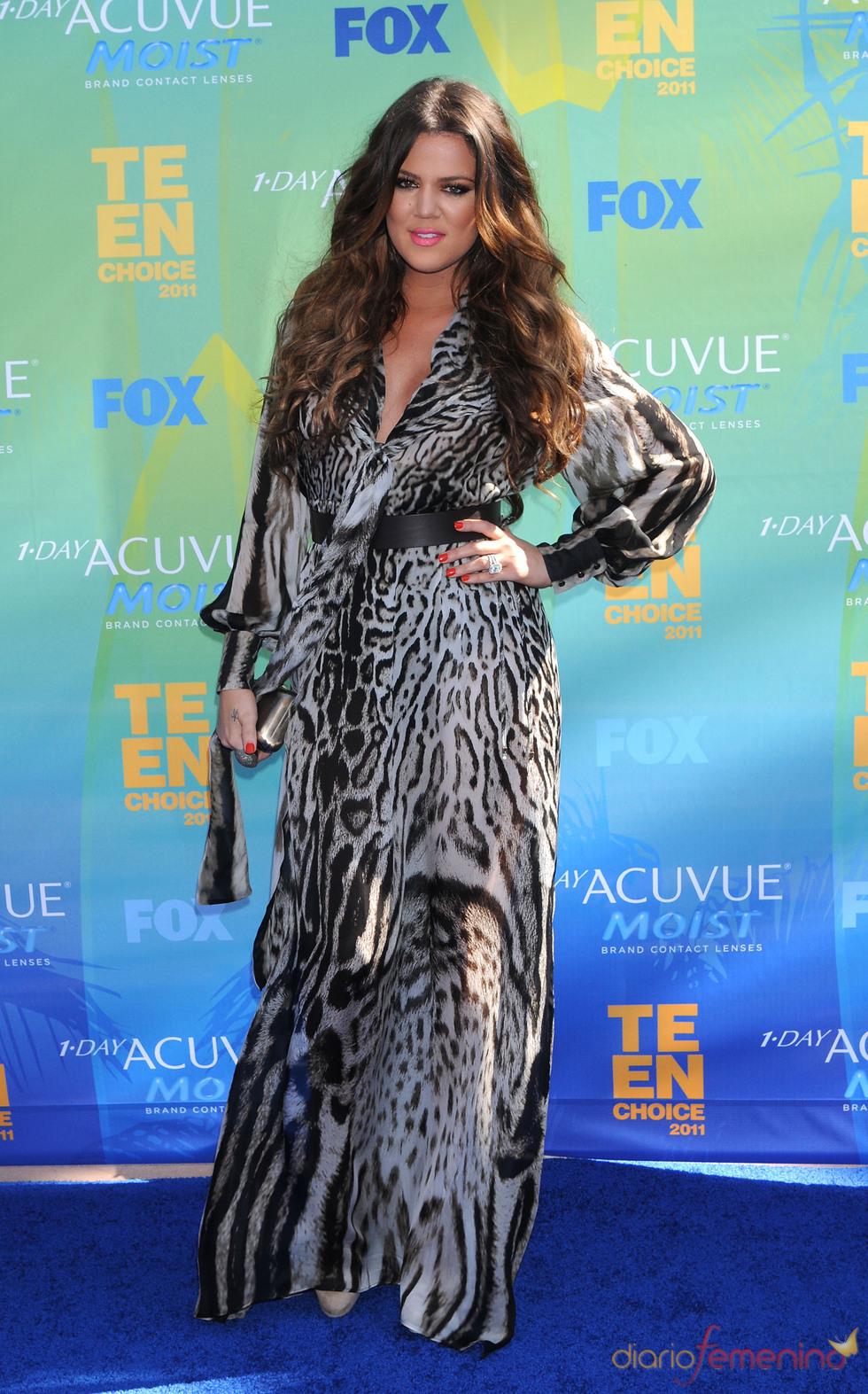 Khloe Kardashian en la alfombra azul de los Teen Choice Awards 2011