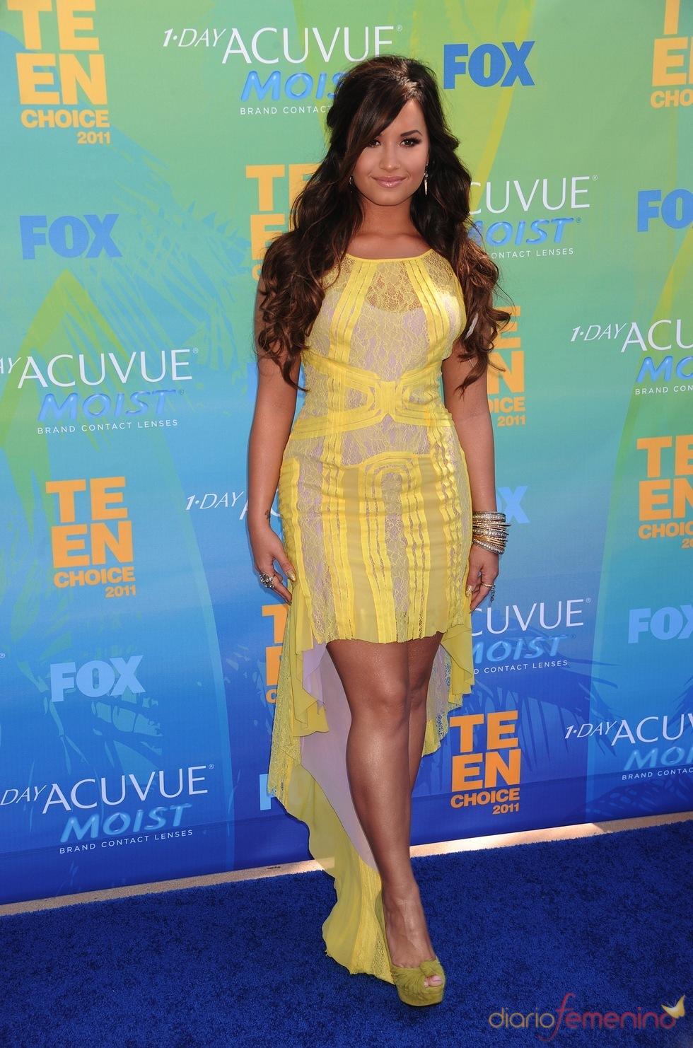 Demi Lovato en la alfombra azul de los Teen Choice Awards 2011