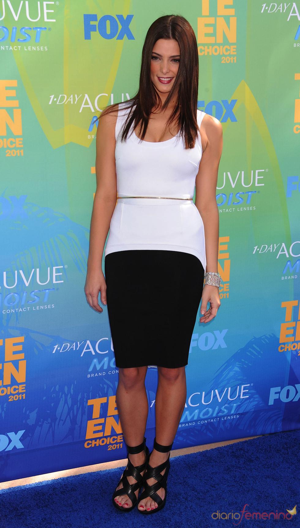 Ashley Greene en la alfombra azul de los Teen Choice Awards 2011