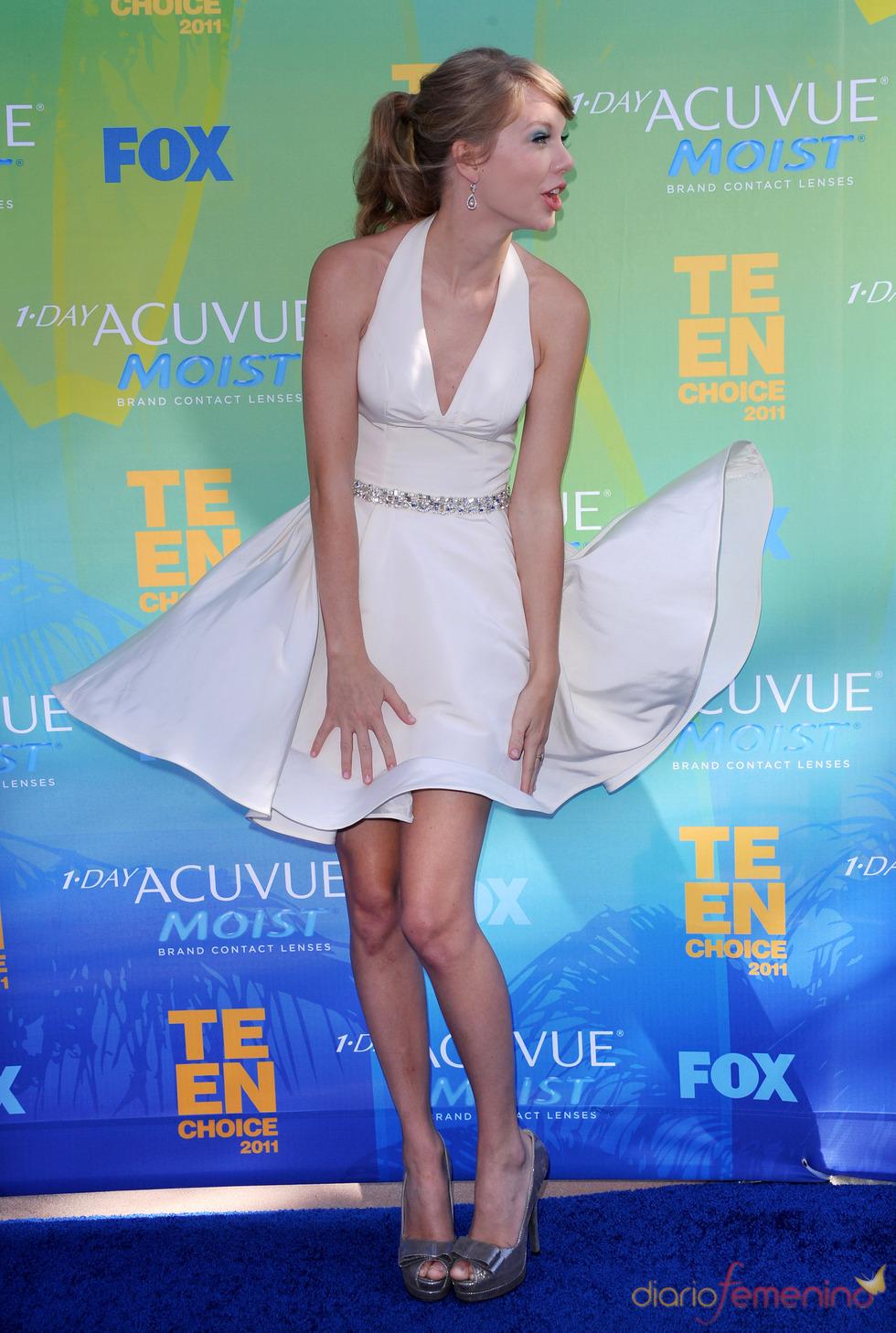 Taylor Swift en la alfombra azul de los Teen Choice Awards 2011