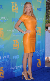 Blake Lively en la alfombra azul de los Teen Choice Awards 2011