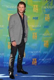 Chris Hemsworth en la alfombra azul de los Teen Choice Awards 2011