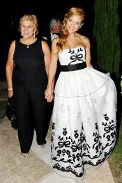 Beatriz Trapote y Carmen Bazán en la Gala contra el Cáncer en Marbella 2011