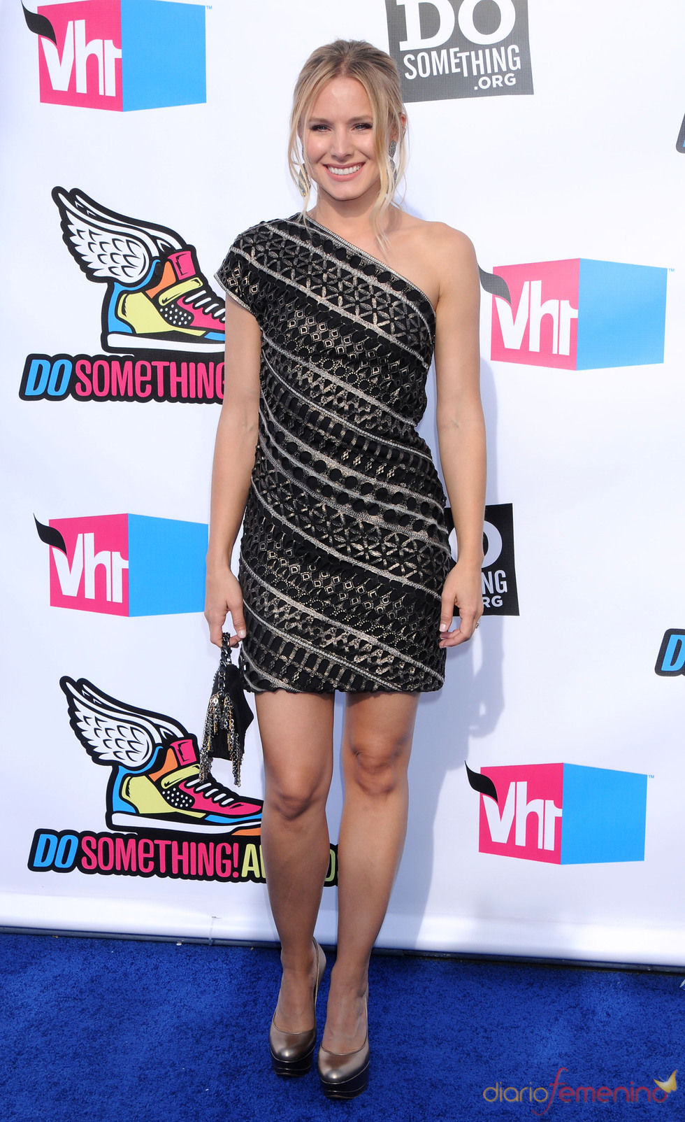 Kristen Bell en la alfombra roja de los 'Do Something Awards' 2011