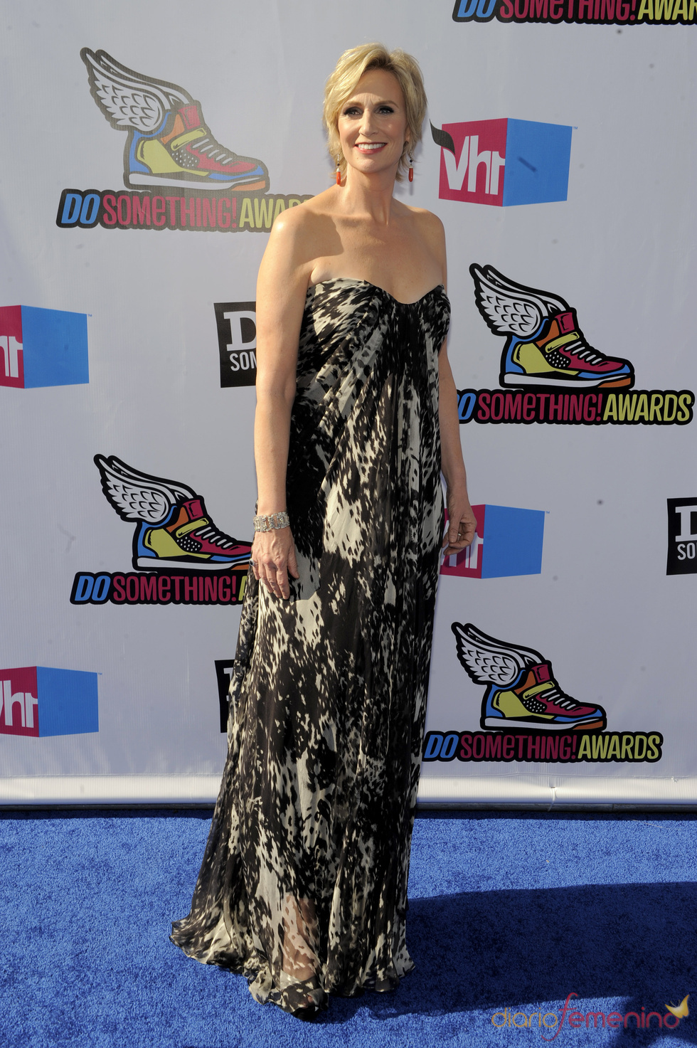 Jane Lynch en la alfombra roja de los 'Do Something Awards' 2011
