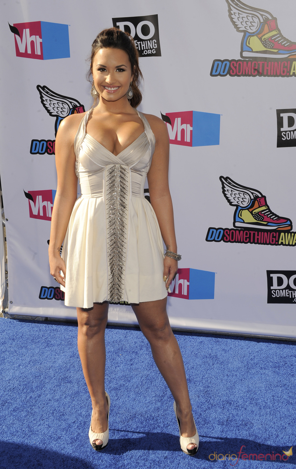 Demi Lovato en la alfombra roja de los 'Do Something Awards' 2011