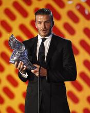 David Beckham recoge su premio en los 'Do Something Awards' 2011