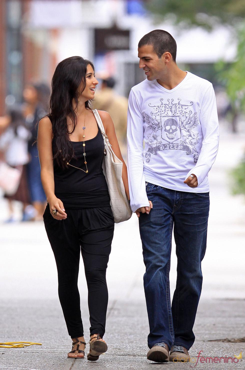 Cesc Fábregas pasea por Nueva York con Carla Dona