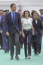 La princesa Letizia despide al Papa en Cuatro Vientos tras concluir las JMj