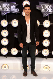 Taylor Lautner en la gala de los MTV Video Music Awards