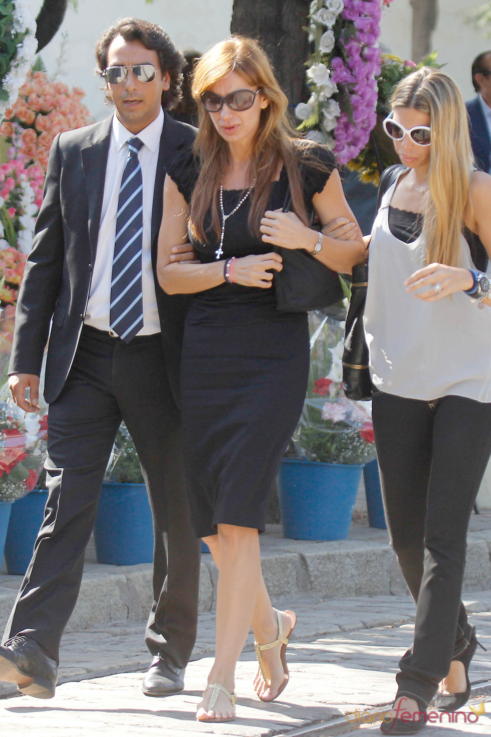 Kika Aparicio en el funeral de Maleni Loreto en Sevilla