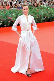 Evan Rachel Wood llega a la alfombra roja del Festival de Cine de Venecia