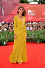 Marisa Tomei llega a la alfombra roja del Festival de Cine de Venecia