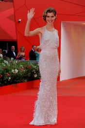 Vittoria Puccini llega a la alfombra roja del Festival de Cine de Venecia