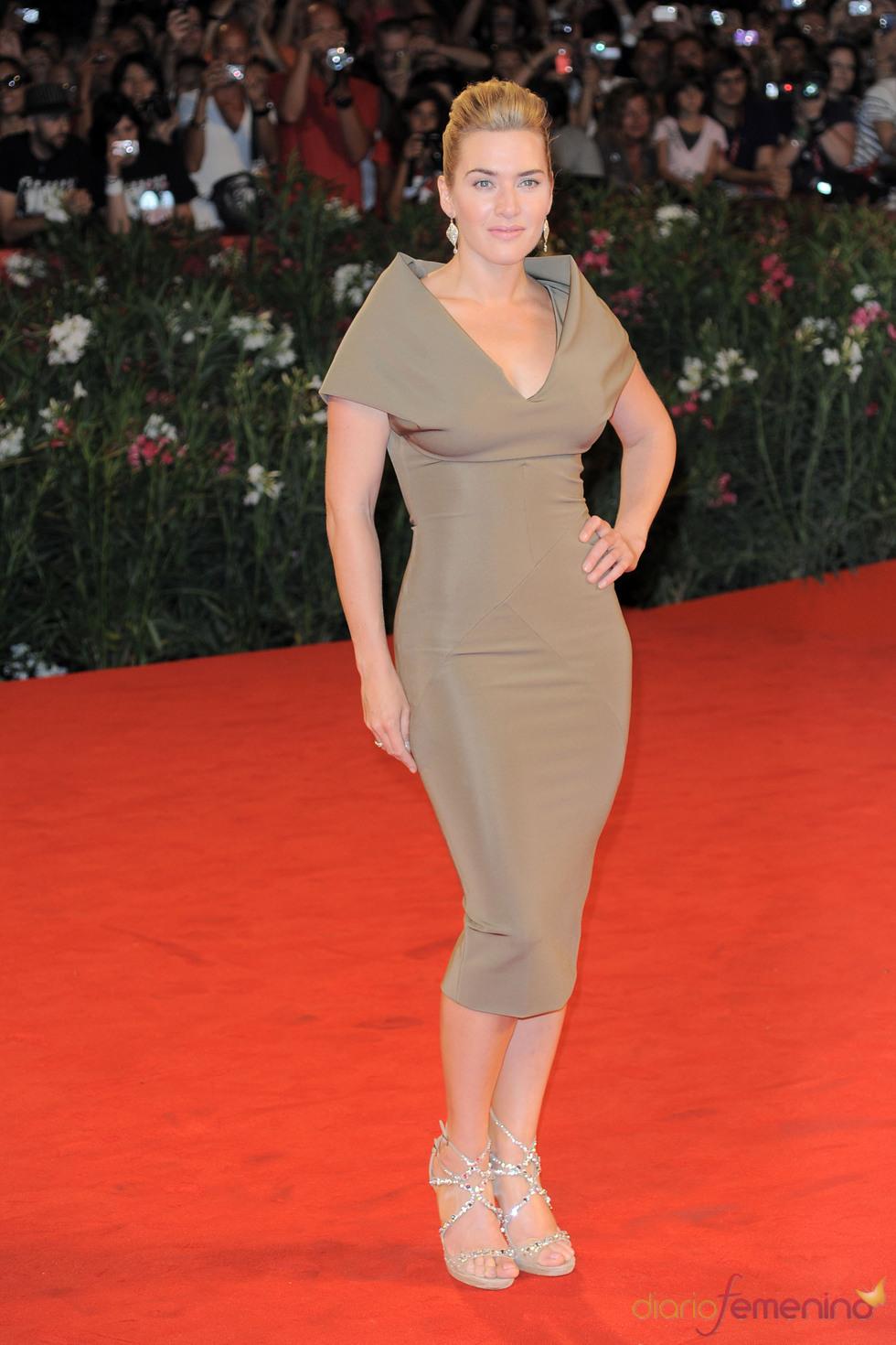 Kate Winslet llega a la alfombra roja del Festival de Cine de Venecia