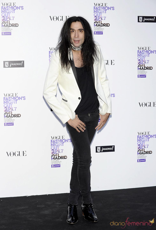Mario Vaquerizo durante la Vogue Fashion Night Out Madrid 2011